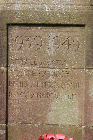 Keele war memorial: east face